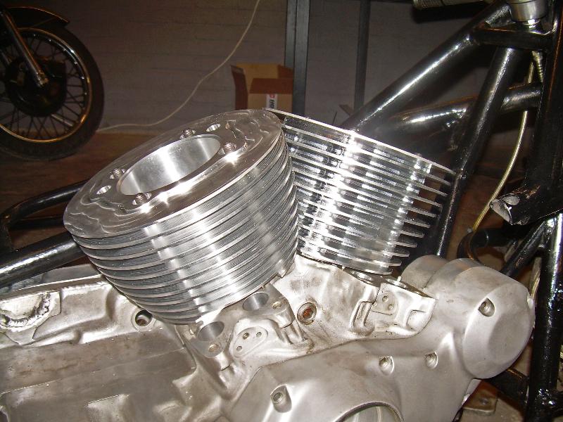 Cilinders voor V-twin zijspanracer